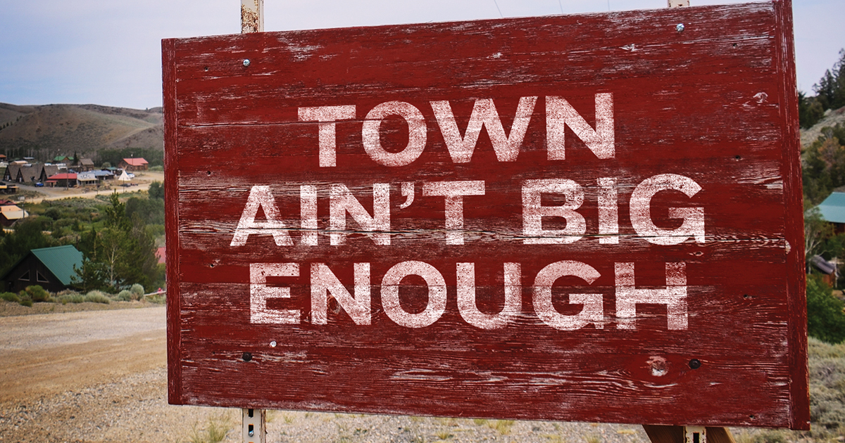 "Chris Young & Lauren Alaina Stunning Duet ""Town Ain't Big"